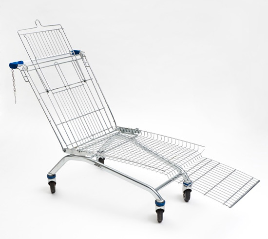 shopping cart lounger de Mike Bouchet
