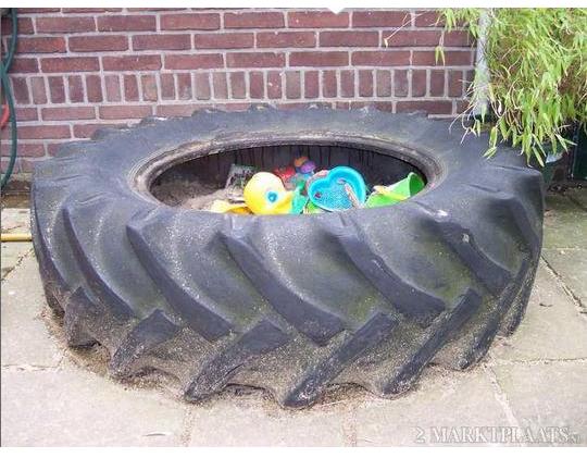 pneu-camion-bac-a-sable