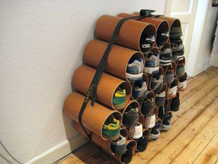 rangements pour chaussures fabriqu s partir de tubes design recyclers. Black Bedroom Furniture Sets. Home Design Ideas