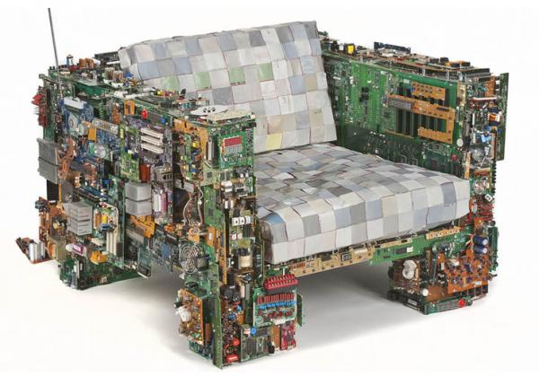 un fauteuil partir de platines lectriques recycl es design recyclers. Black Bedroom Furniture Sets. Home Design Ideas