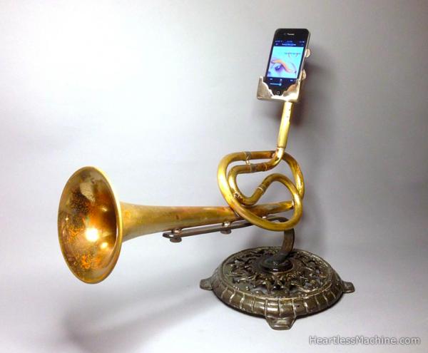 Trompette recyclée en ampli pour IPhone