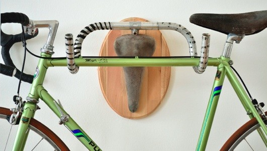 un porte-vélo recyclé