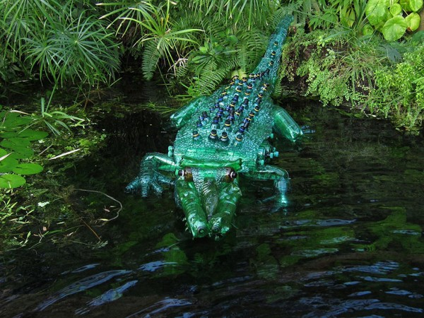 plastic-bottle-sculpture-recycle-art-veronika-richterova-1