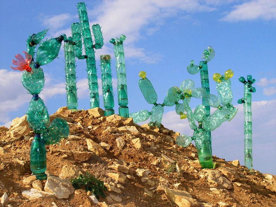Favori Des sculptures en bouteilles plastiques recyclées - design-recyclers KW24